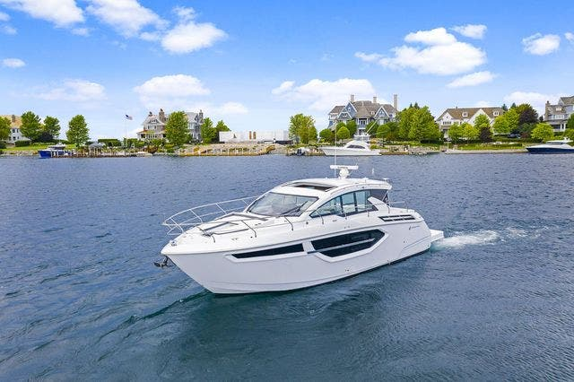 2021 Cruisers Yachts boat for sale, model of the boat is 42 CANTIUS & Image # 7 of 35