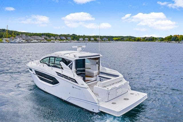 2021 Cruisers Yachts boat for sale, model of the boat is 42 CANTIUS & Image # 8 of 35