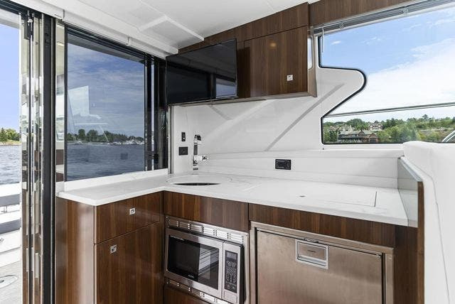 2021 Cruisers Yachts boat for sale, model of the boat is 42 CANTIUS & Image # 15 of 35