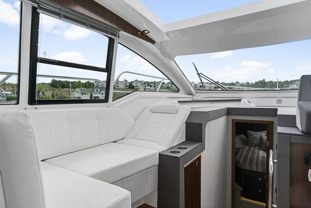 2021 Cruisers Yachts boat for sale, model of the boat is 42 CANTIUS & Image # 18 of 35