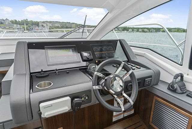 2021 Cruisers Yachts boat for sale, model of the boat is 42 CANTIUS & Image # 22 of 35