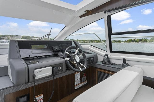 2021 Cruisers Yachts boat for sale, model of the boat is 42 CANTIUS & Image # 23 of 35