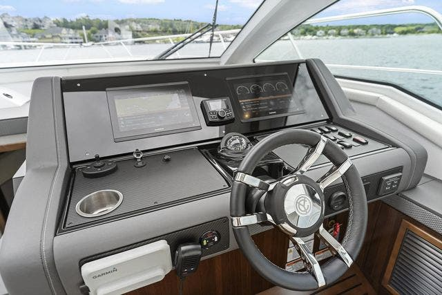 2021 Cruisers Yachts boat for sale, model of the boat is 42 CANTIUS & Image # 24 of 35