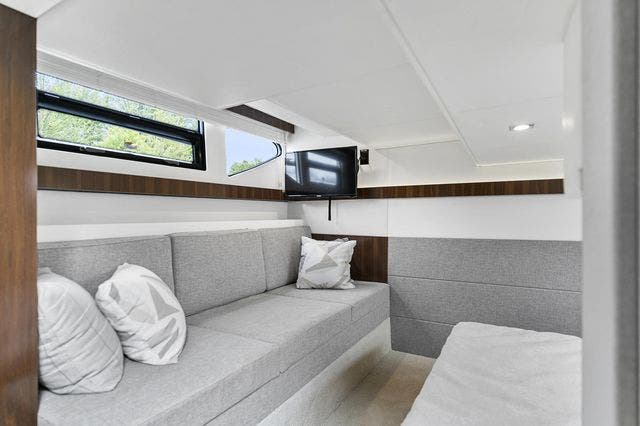 2021 Cruisers Yachts boat for sale, model of the boat is 42 CANTIUS & Image # 30 of 35