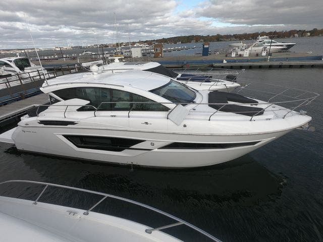 2021 Cruisers Yachts boat for sale, model of the boat is 46CANTIUS & Image # 3 of 23