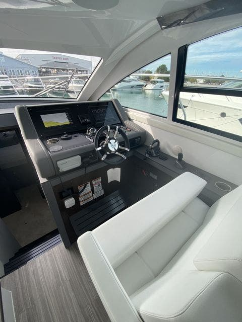 2021 Cruisers Yachts boat for sale, model of the boat is 46CANTIUS & Image # 9 of 27