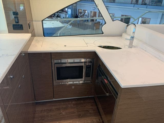 2021 Cruisers Yachts boat for sale, model of the boat is 50CANTIUS & Image # 16 of 31