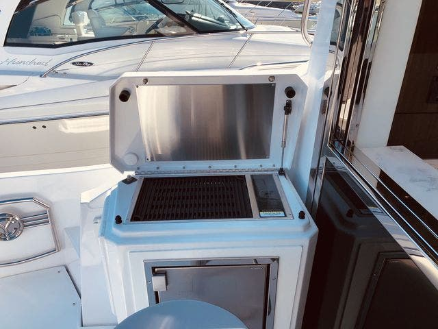 2021 Cruisers Yachts boat for sale, model of the boat is 54CANTIUS & Image # 11 of 60