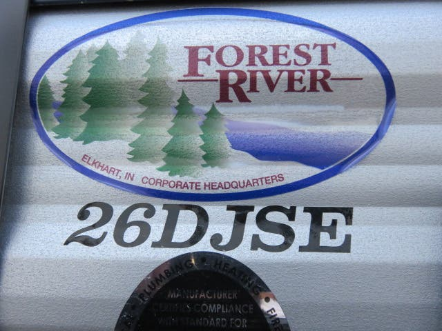 2021 Forest River Cherokee Grey Wolf 26DJSE Thumbnail