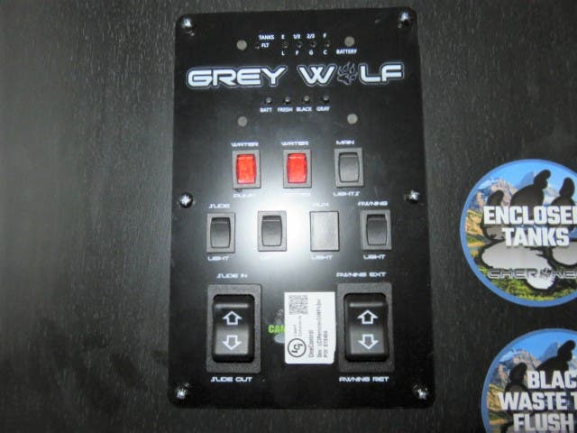 2021 Forest River Cherokee Grey Wolf 27RR Thumbnail