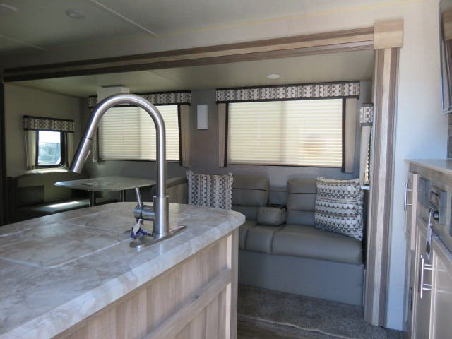 2021 Forest River Coachmen CATALINA 343BHTS Thumbnail