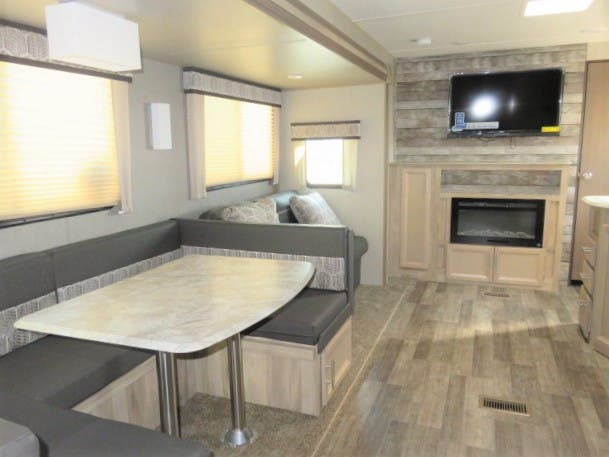 2021 Forest River Coachmen Catalina 323BHDSK Thumbnail