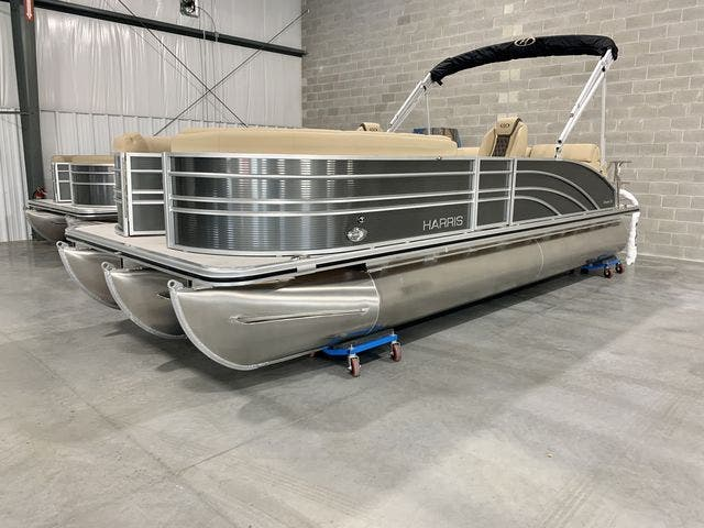 2021 Harris boat for sale, model of the boat is 230Sun/SLDH/TT & Image # 3 of 13