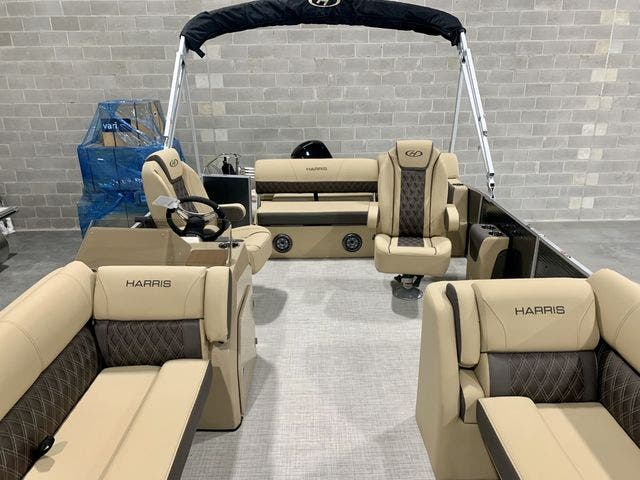 2021 Harris boat for sale, model of the boat is 230Sun/SLDH/TT & Image # 4 of 13