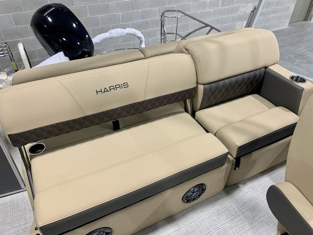 2021 Harris boat for sale, model of the boat is 230Sun/SLDH/TT & Image # 6 of 13