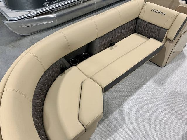 2021 Harris boat for sale, model of the boat is 230Sun/SLDH/TT & Image # 8 of 13