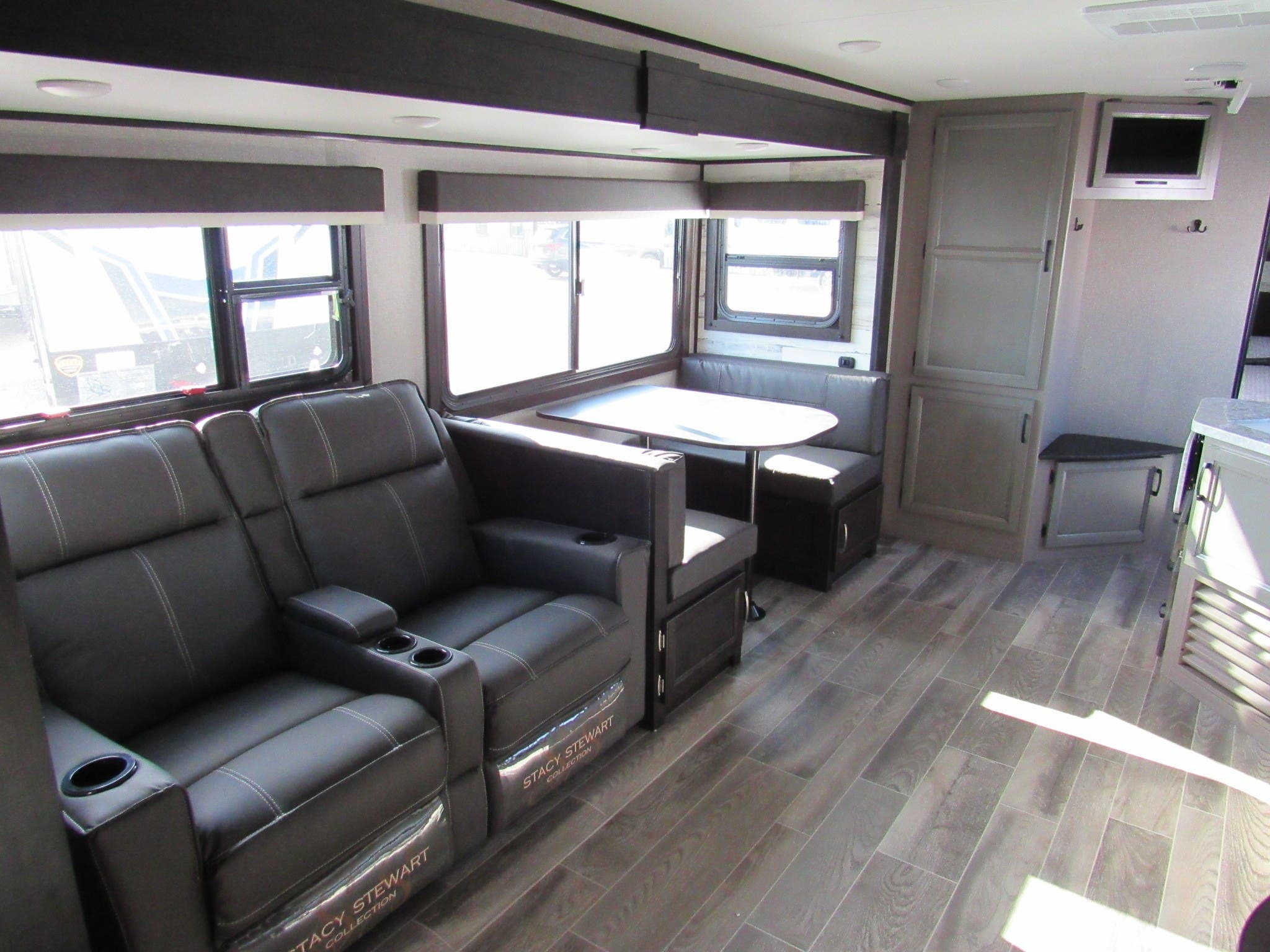 2021 Jayco Jay Feather 27BHB - Suamico, WI - GBV763 for ...