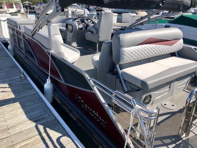 2021 Manitou boat for sale, model of the boat is 23 SES VP & Image # 5 of 22