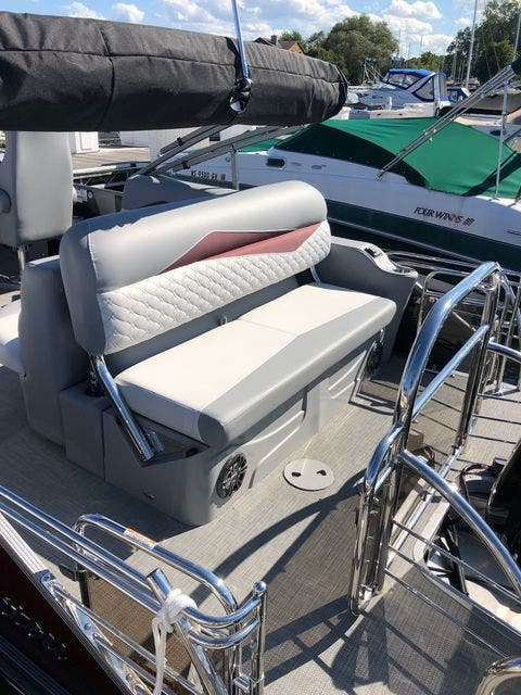 2021 Manitou boat for sale, model of the boat is 23 SES VP & Image # 6 of 22