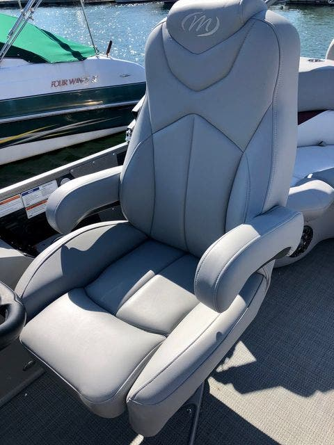 2021 Manitou boat for sale, model of the boat is 23 SES VP & Image # 18 of 22