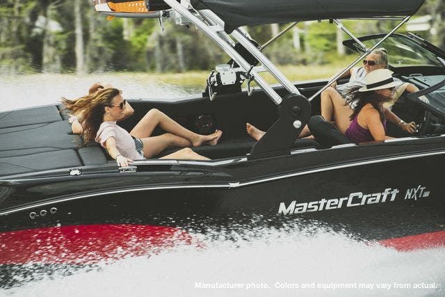 2021 Mastercraft boat for sale, model of the boat is NXT-22 & Image # 3 of 10