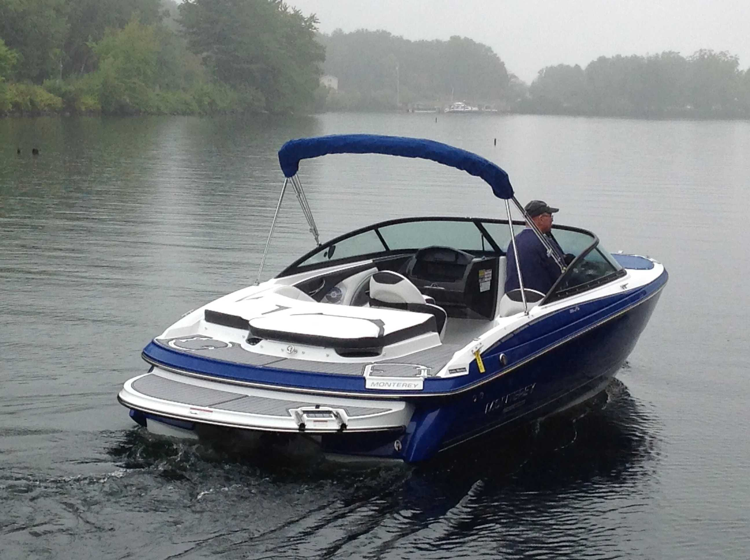 2021 Monterey boat for sale, model of the boat is 224FS & Image # 3 of 11