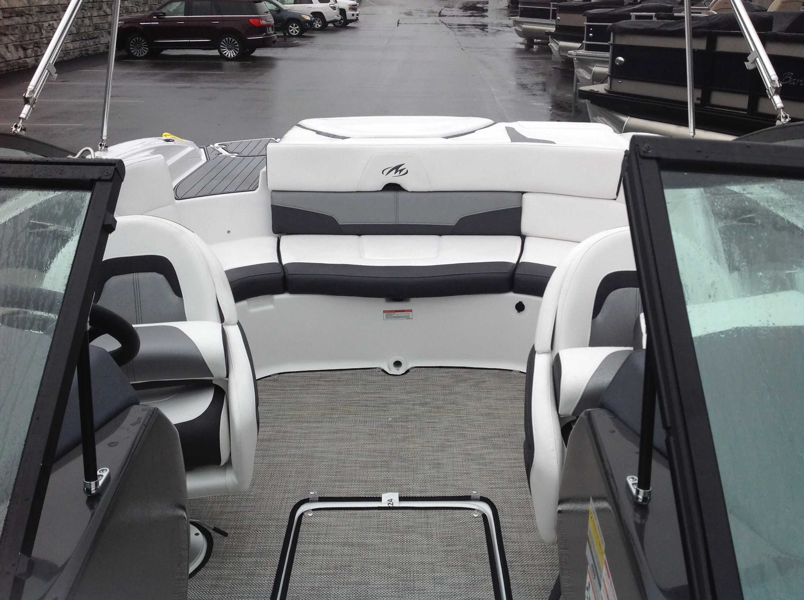 2021 Monterey boat for sale, model of the boat is 224FS & Image # 5 of 11