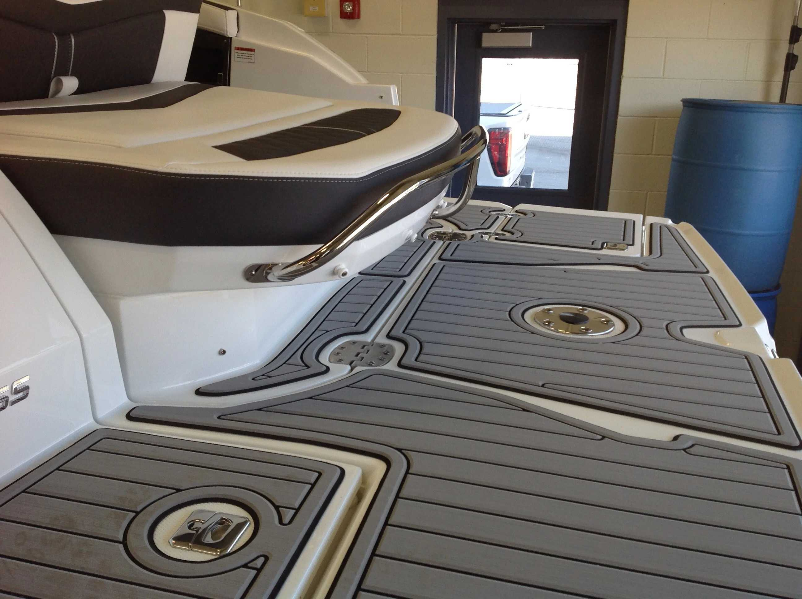 2022 Monterey boat for sale, model of the boat is 258SS & Image # 16 of 18