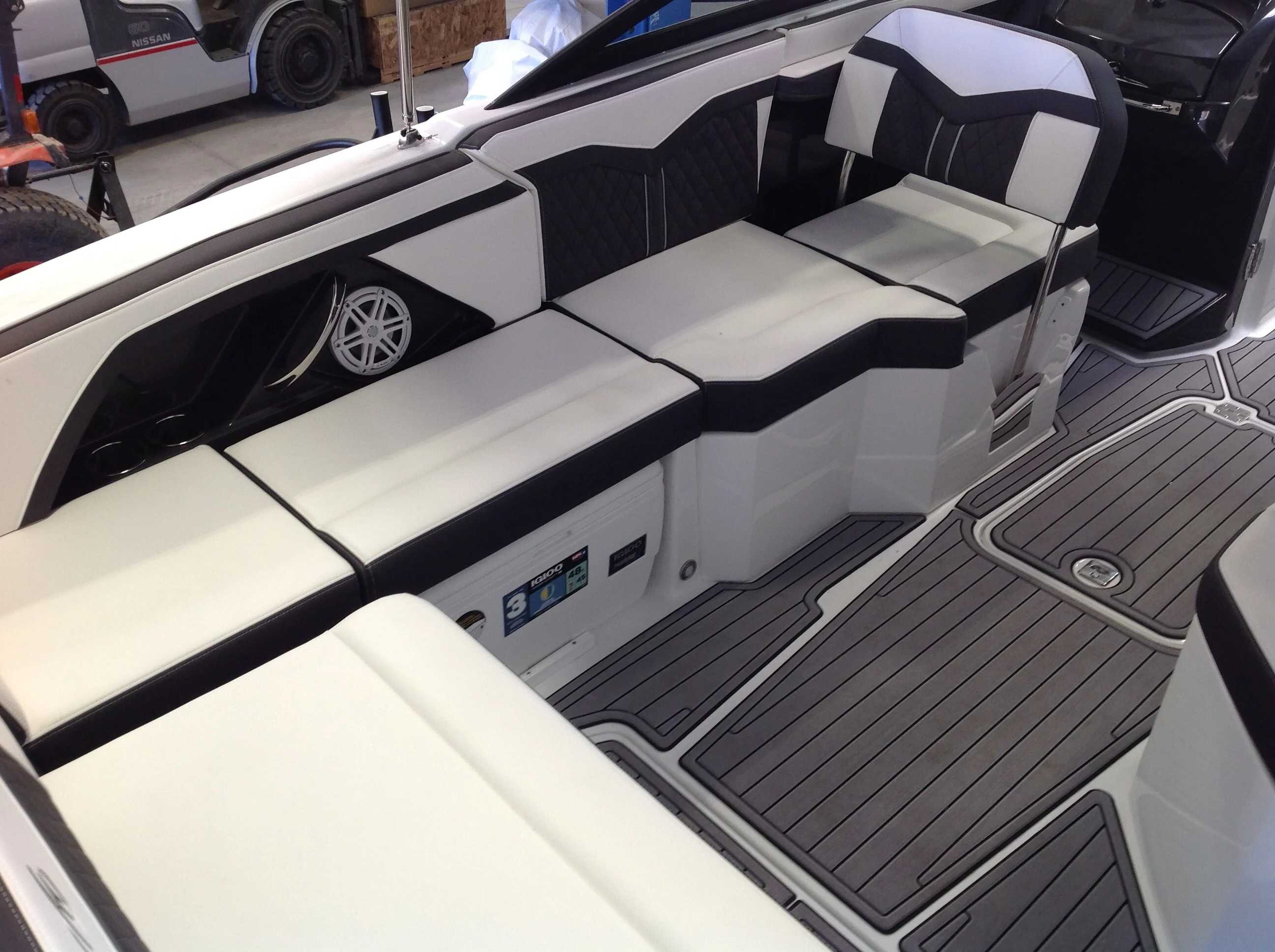 2022 Monterey boat for sale, model of the boat is 258SS & Image # 11 of 18