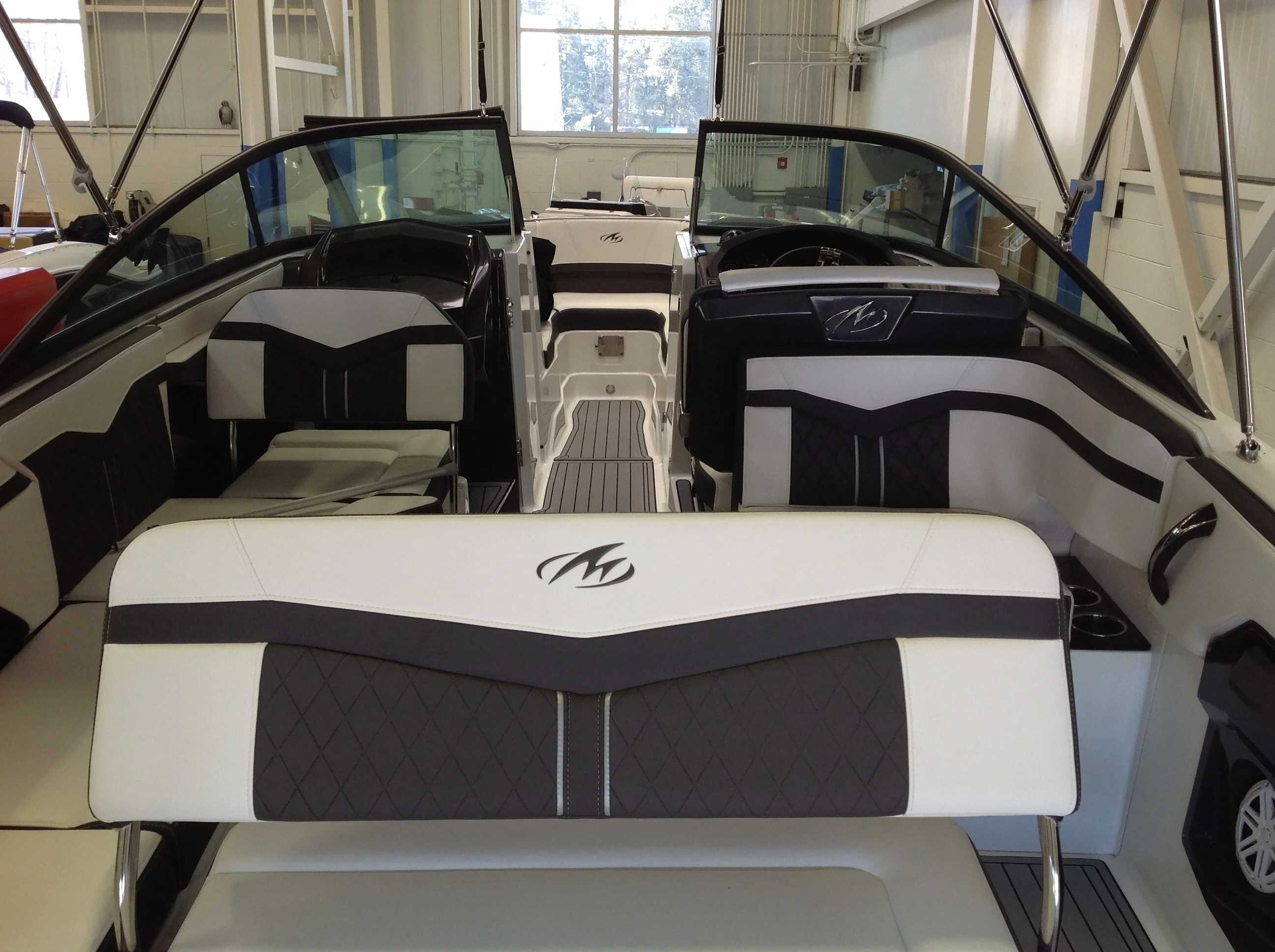 2022 Monterey boat for sale, model of the boat is 258SS & Image # 14 of 18