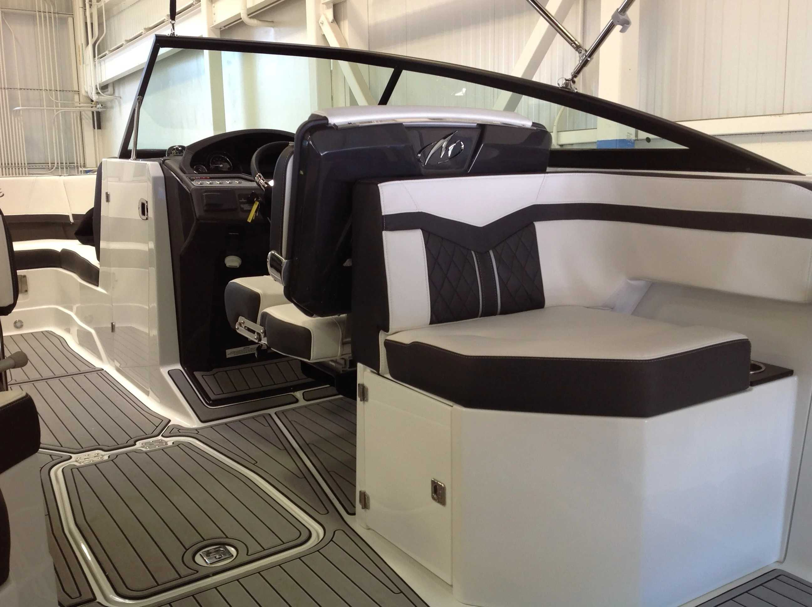 2022 Monterey boat for sale, model of the boat is 258SS & Image # 9 of 18