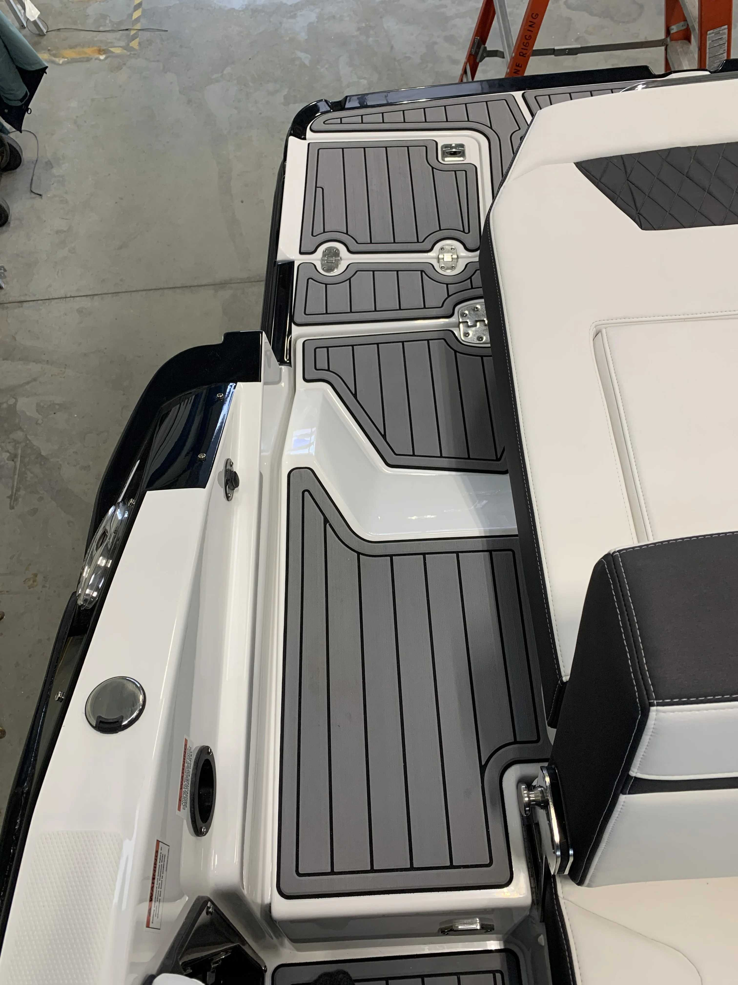 2022 Monterey boat for sale, model of the boat is 278ss & Image # 16 of 18