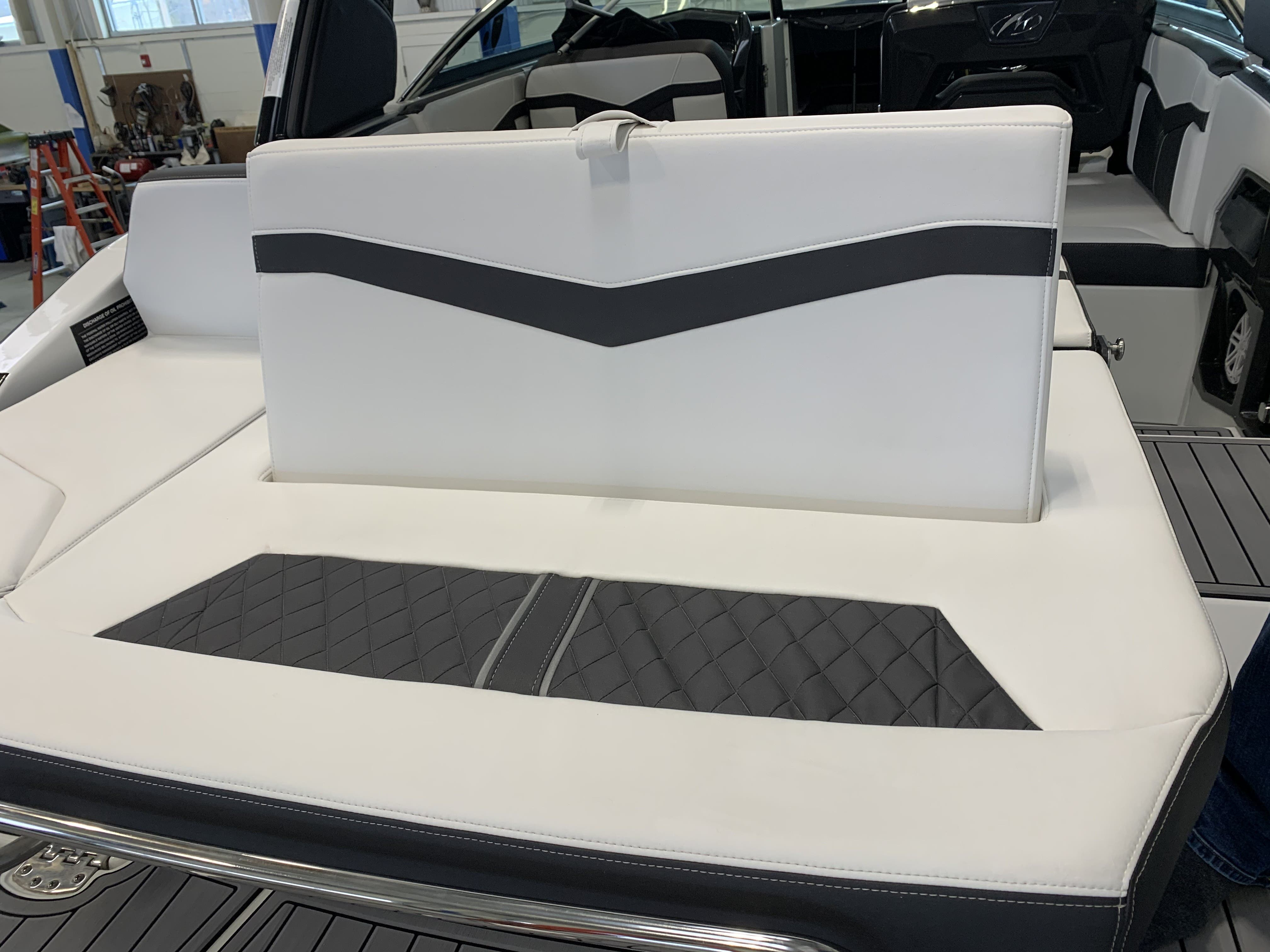 2022 Monterey boat for sale, model of the boat is 278ss & Image # 15 of 18
