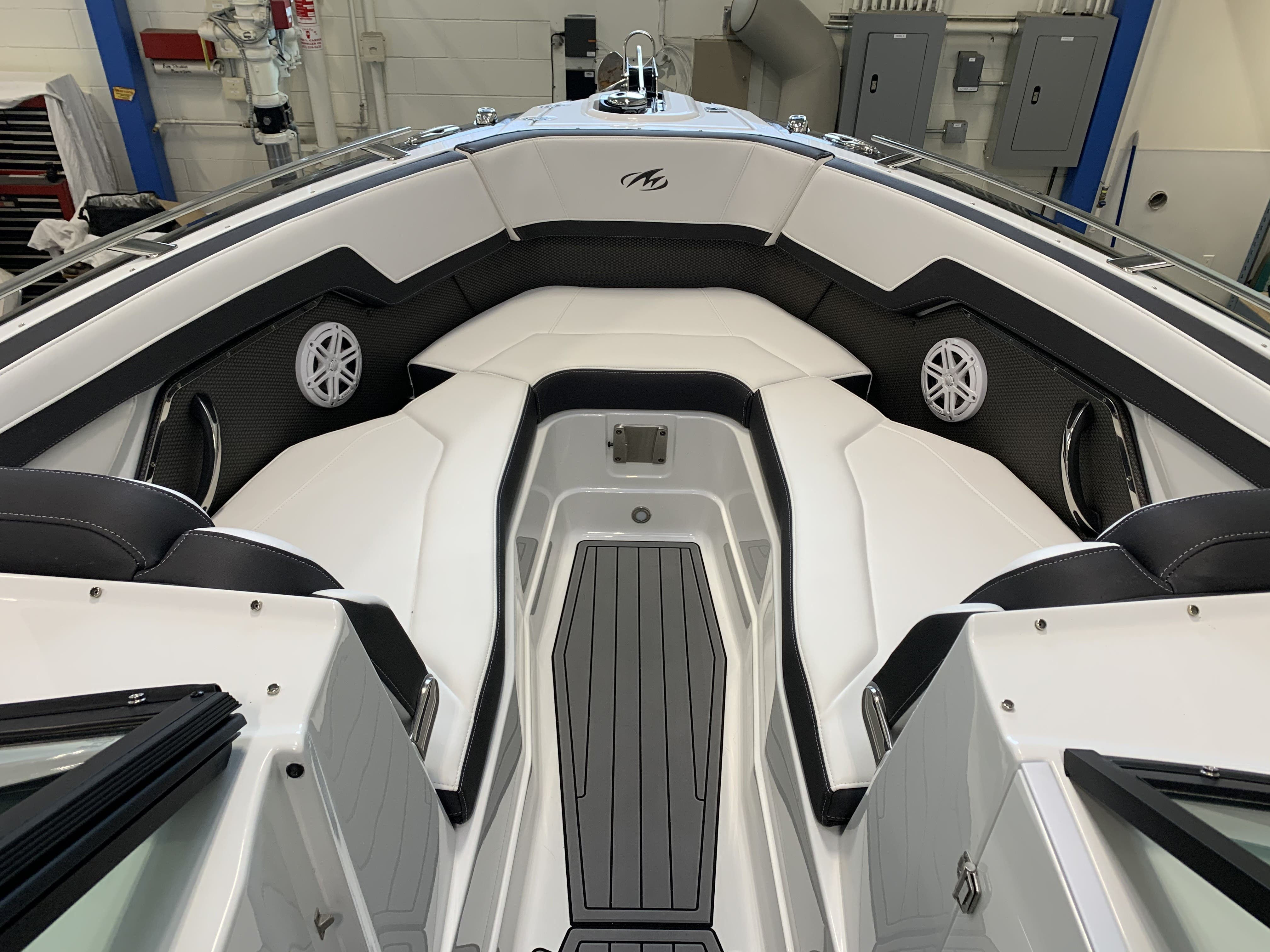 2022 Monterey boat for sale, model of the boat is 278ss & Image # 3 of 18