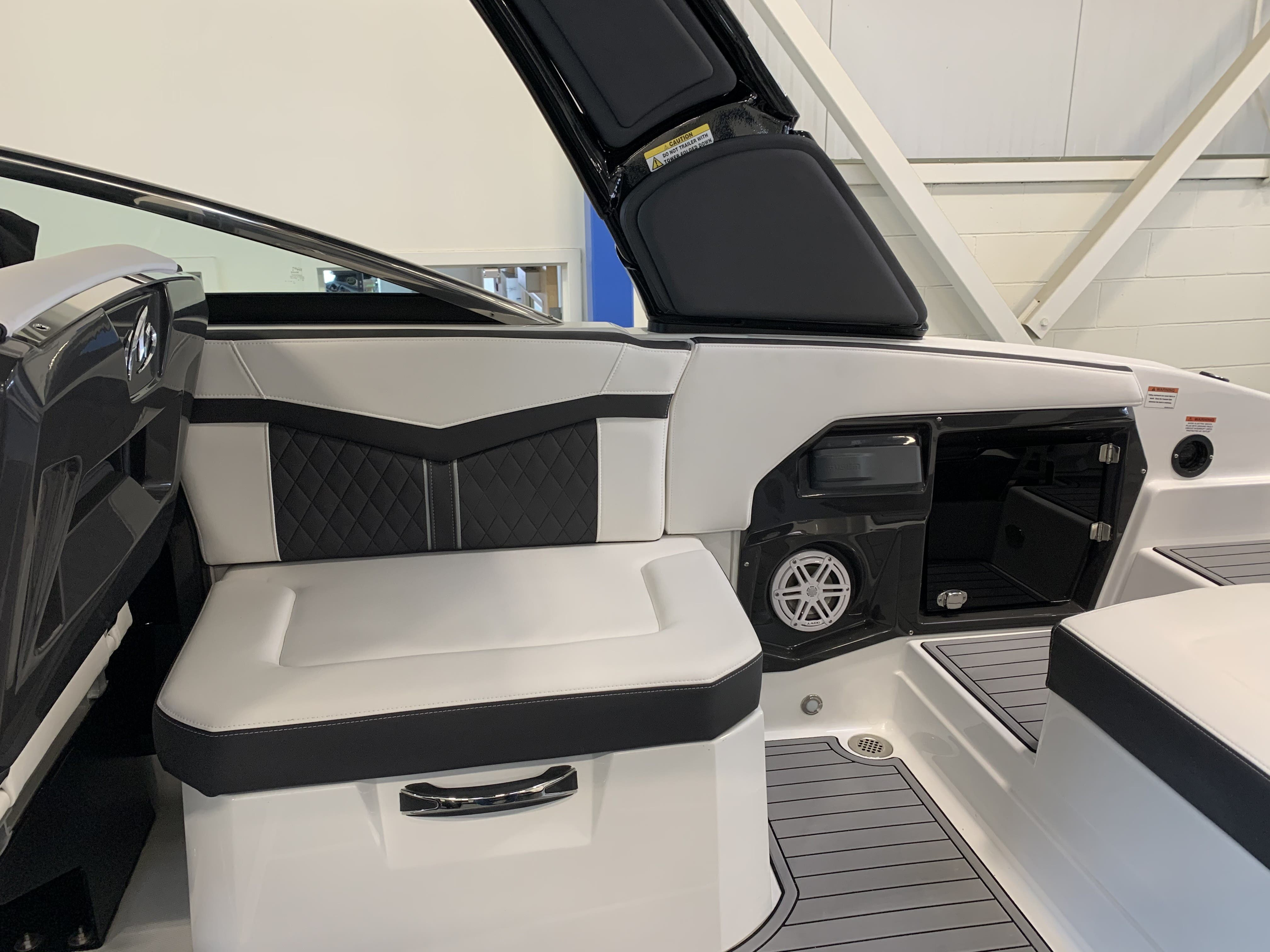 2022 Monterey boat for sale, model of the boat is 278ss & Image # 12 of 18