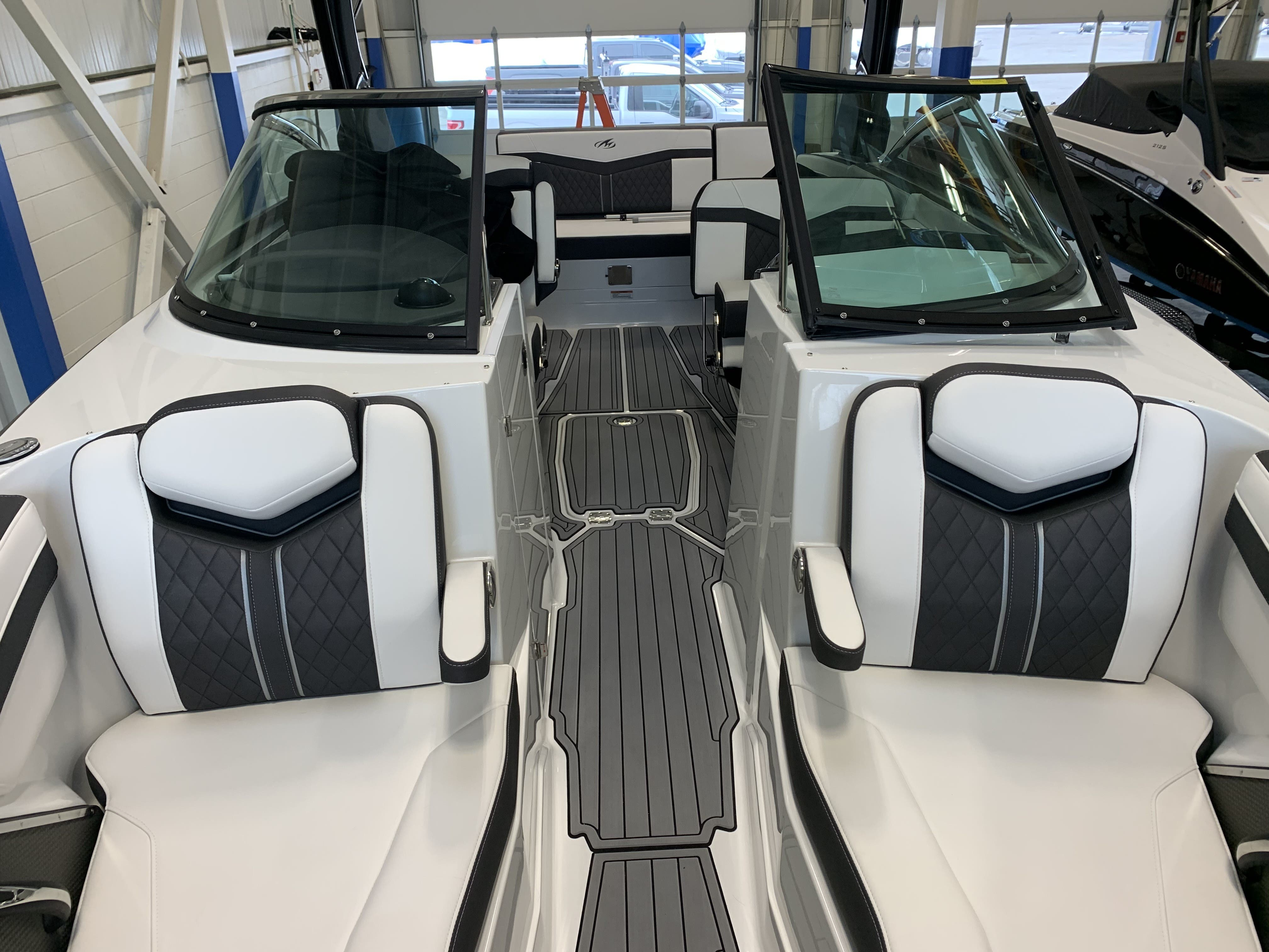 2022 Monterey boat for sale, model of the boat is 278ss & Image # 4 of 18