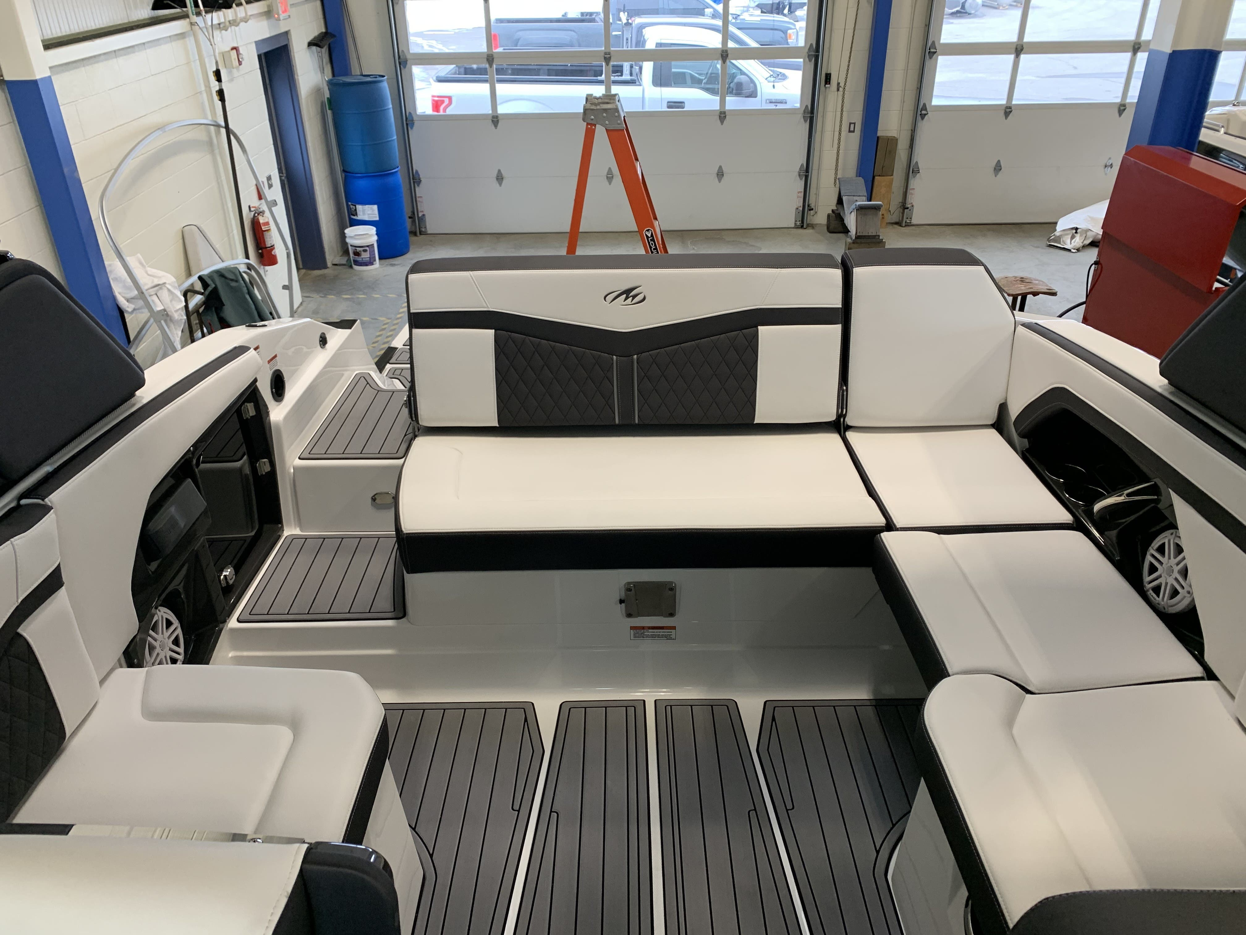 2022 Monterey boat for sale, model of the boat is 278ss & Image # 13 of 18