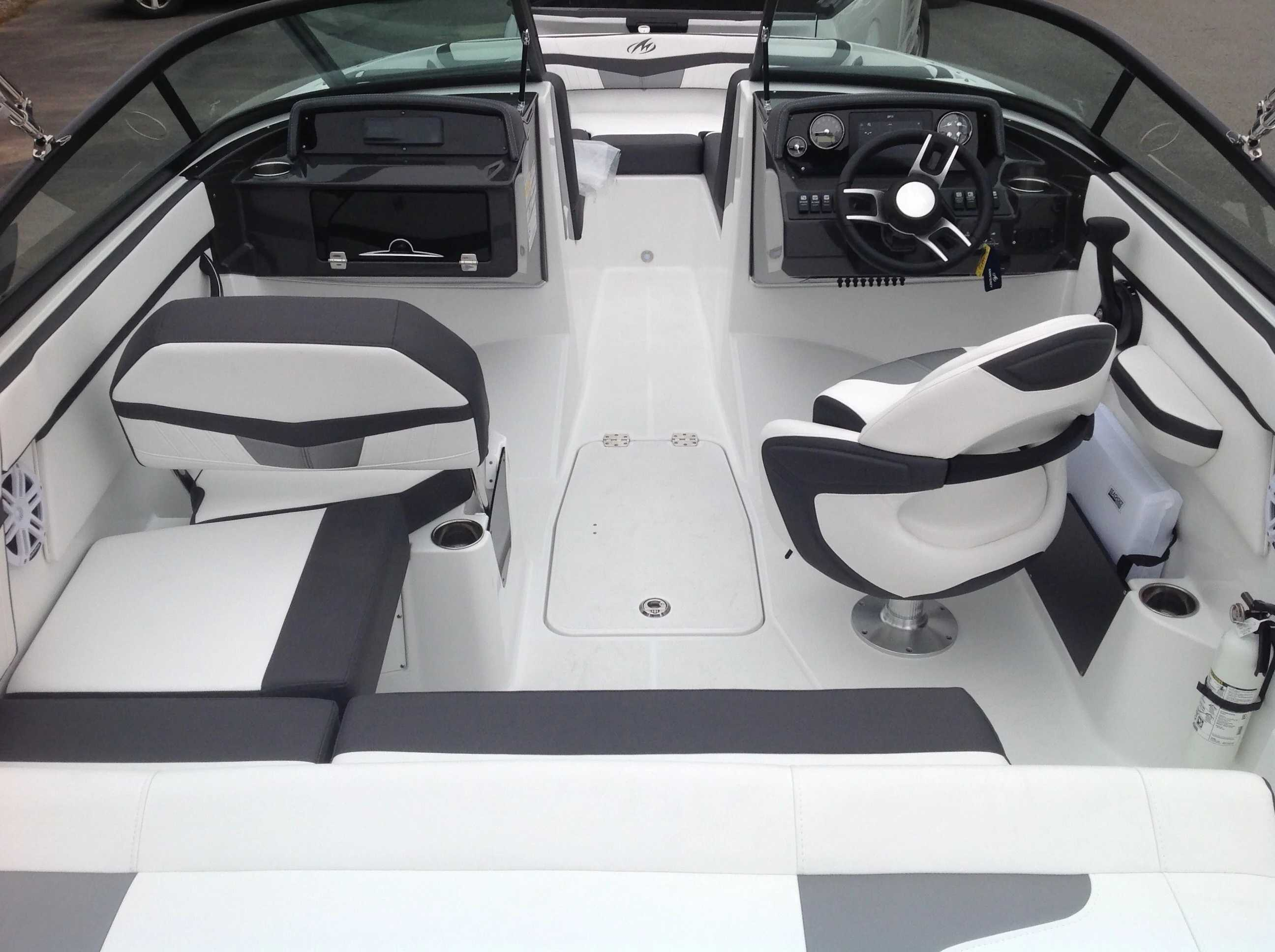 2021 Monterey boat for sale, model of the boat is M20 & Image # 11 of 13