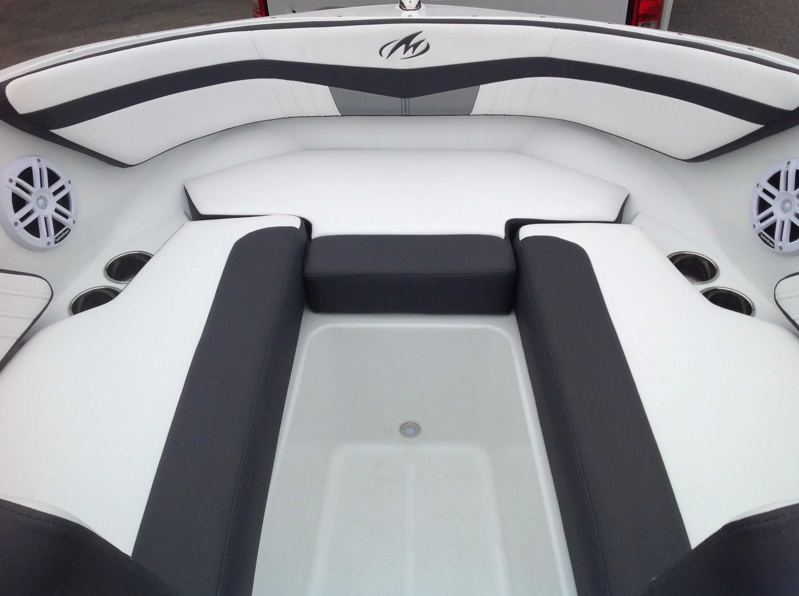 2021 Monterey boat for sale, model of the boat is M20 & Image # 3 of 13