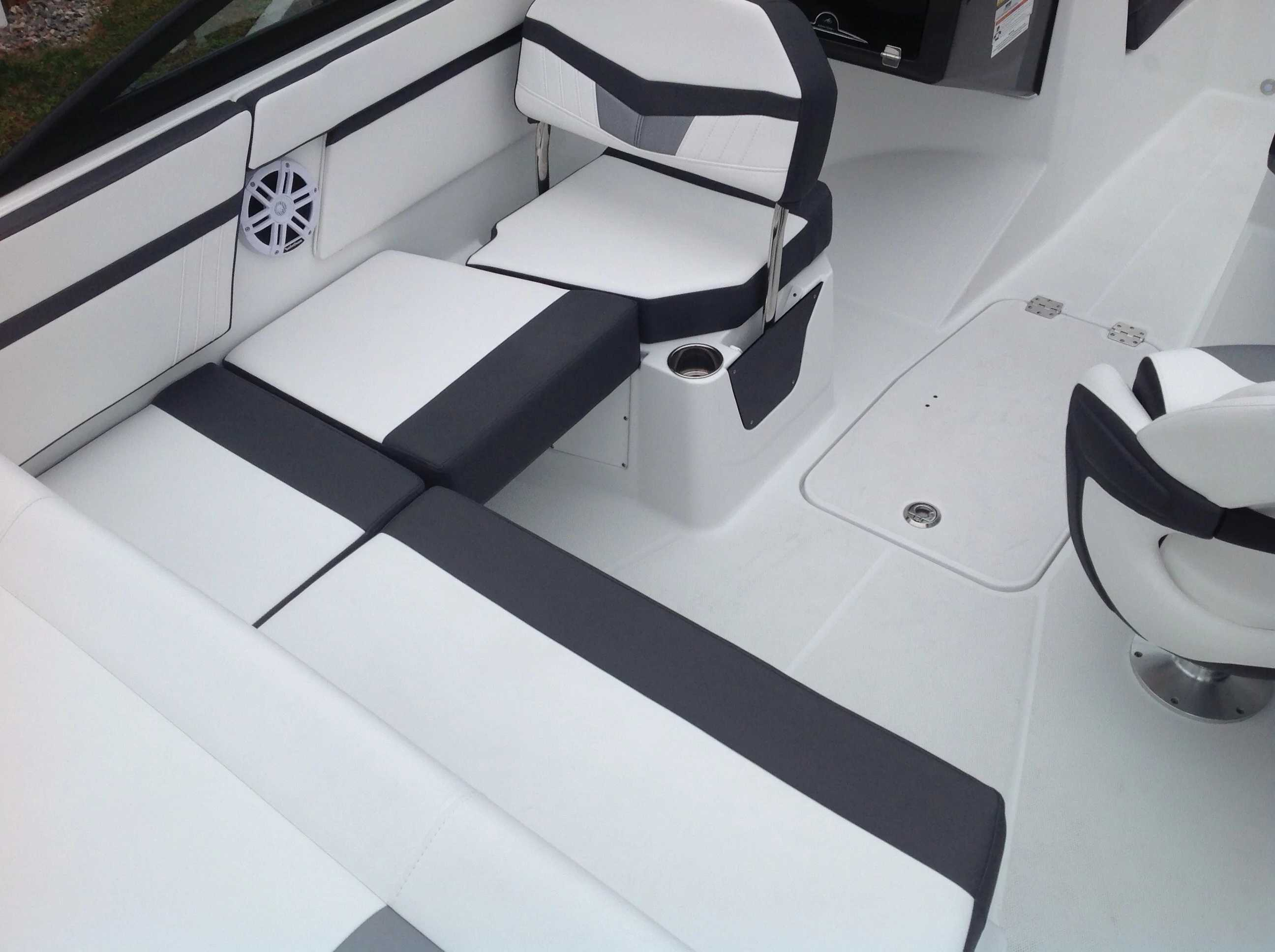 2021 Monterey boat for sale, model of the boat is M20 & Image # 9 of 13