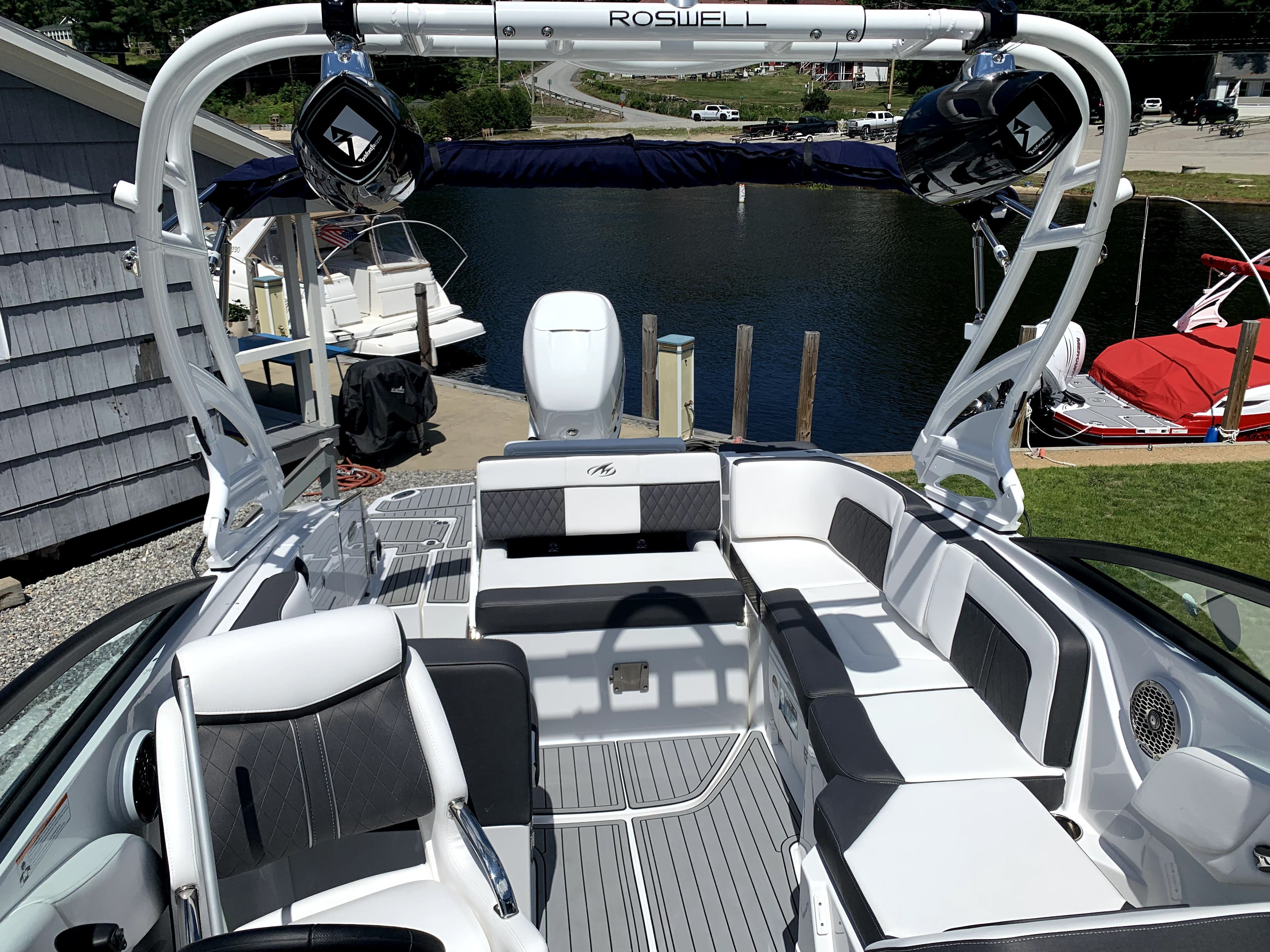 2021 Monterey boat for sale, model of the boat is M65 & Image # 8 of 12