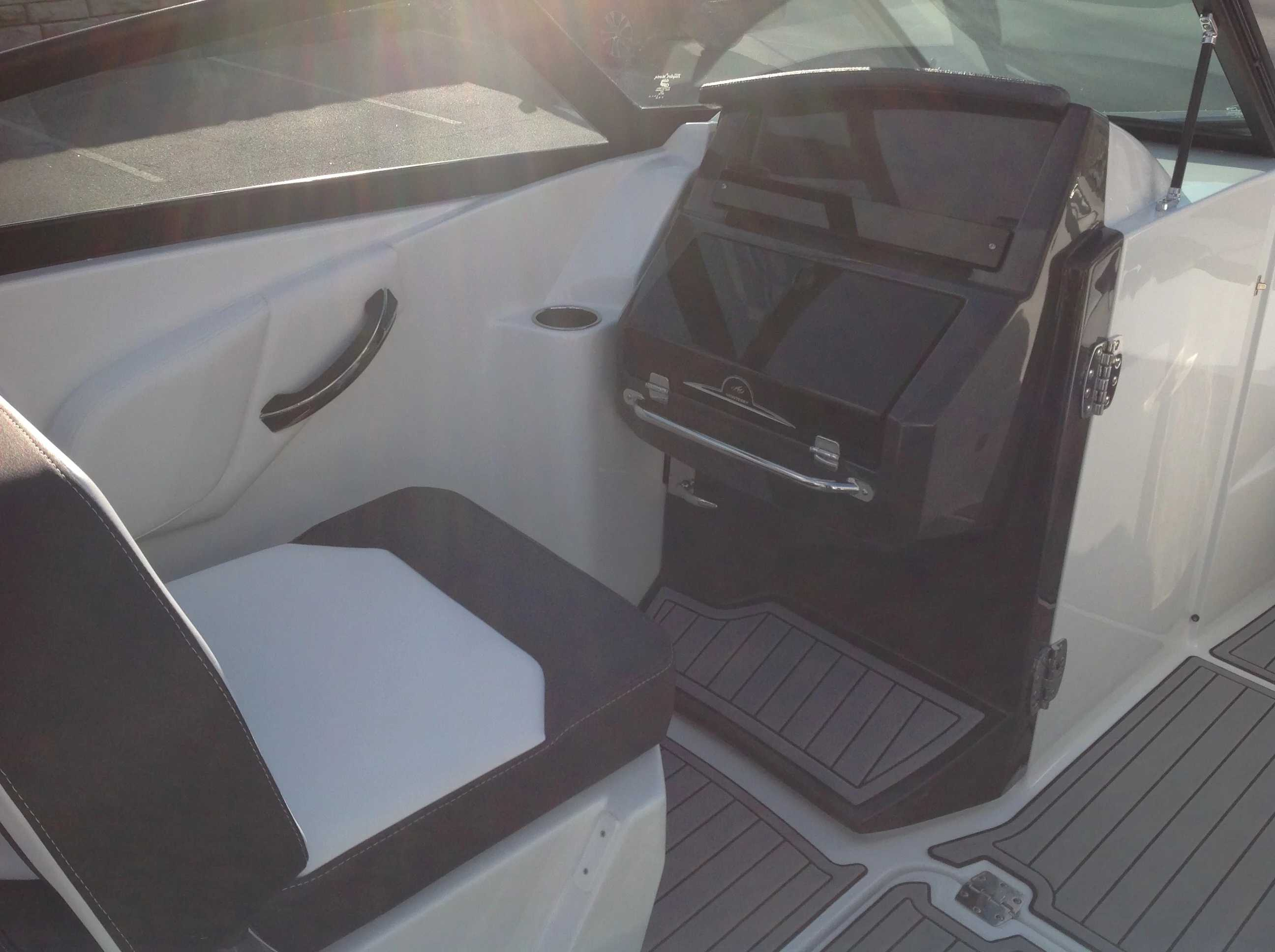 2021 Monterey boat for sale, model of the boat is M45 & Image # 7 of 21