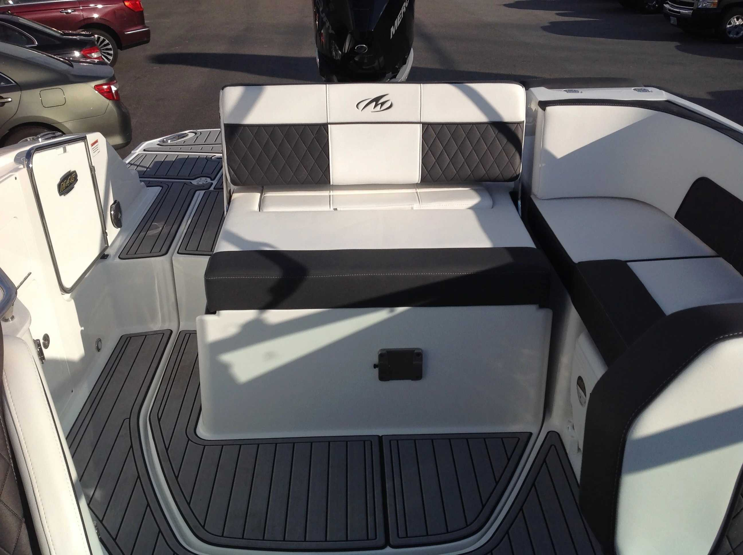 2021 Monterey boat for sale, model of the boat is M45 & Image # 10 of 21