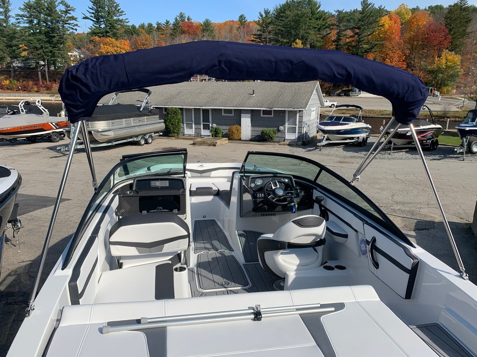 2021 Monterey boat for sale, model of the boat is M 22 & Image # 8 of 13