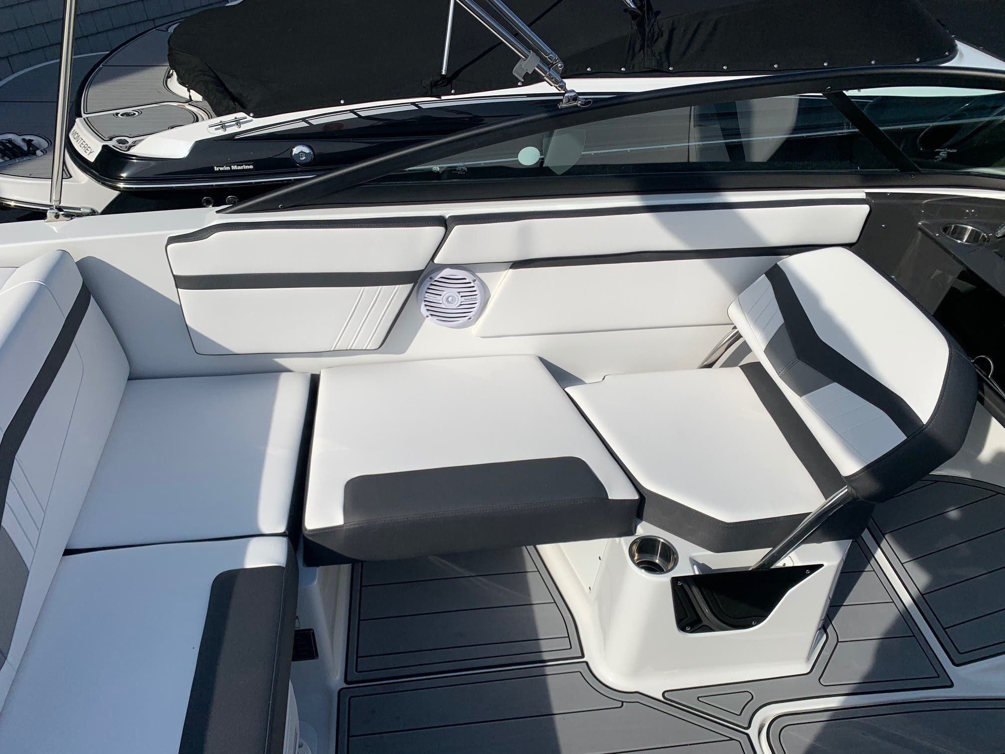 2021 Monterey boat for sale, model of the boat is M 22 & Image # 7 of 13