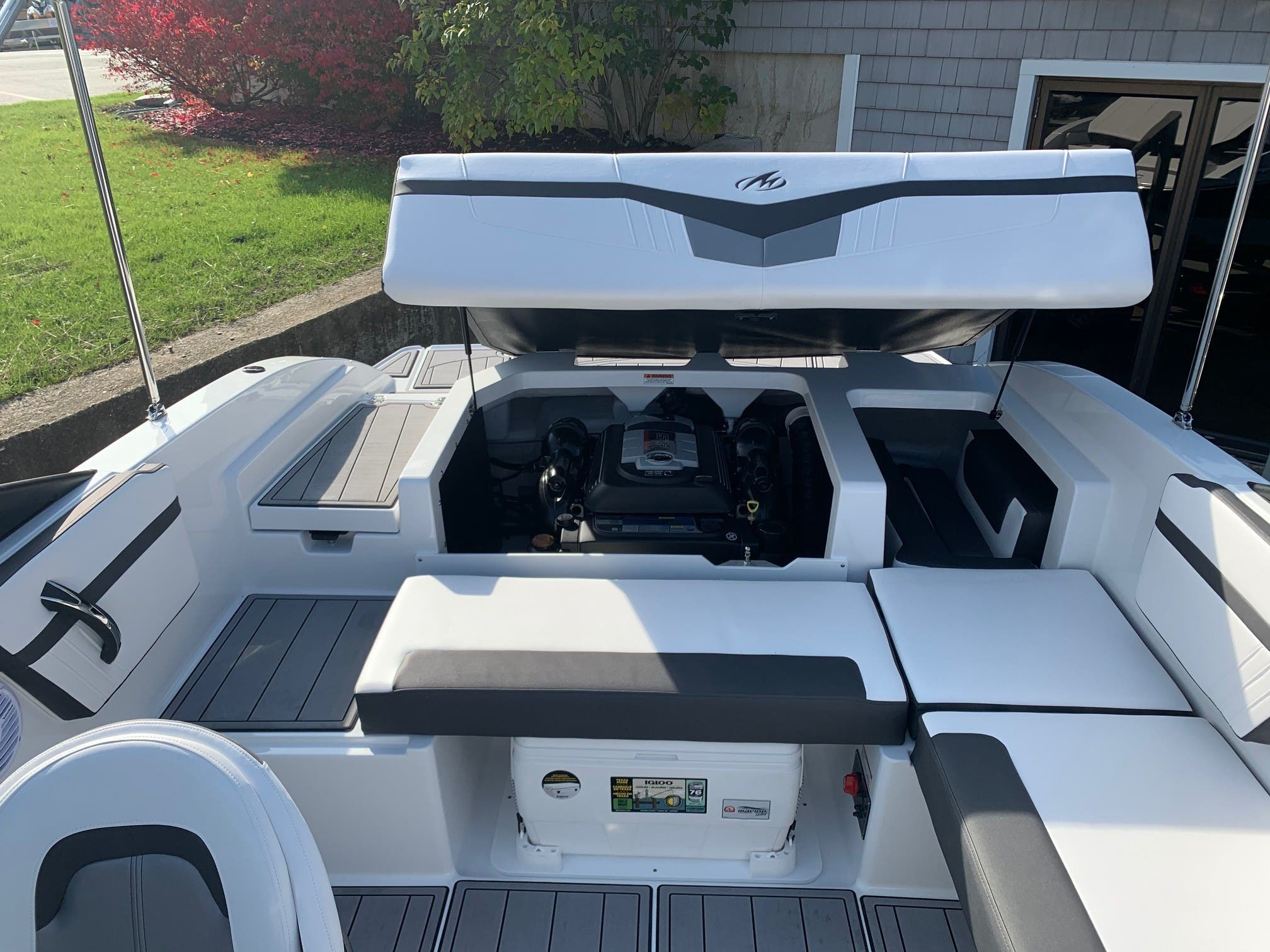 2021 Monterey boat for sale, model of the boat is M 22 & Image # 9 of 13