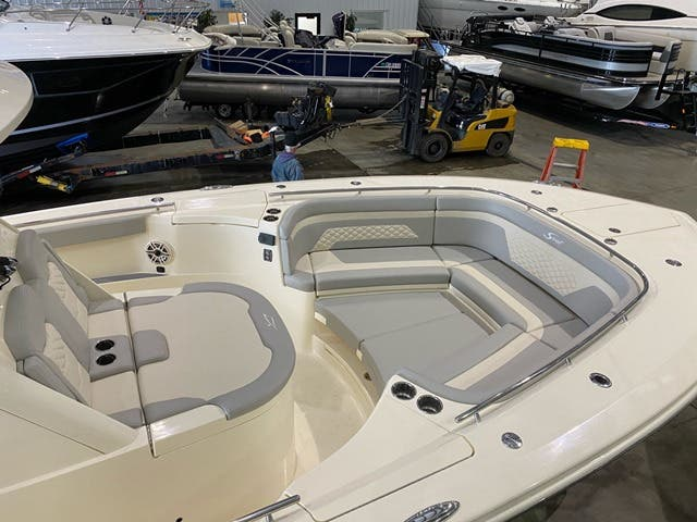2021 Scout boat for sale, model of the boat is 330LXF & Image # 11 of 15