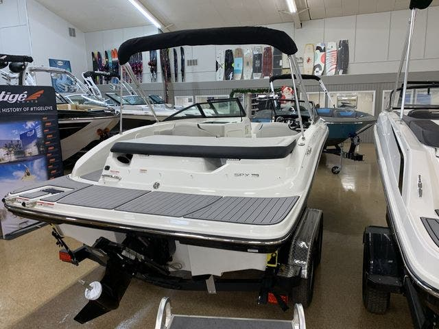 2021 Sea Ray boat for sale, model of the boat is 190SPX & Image # 5 of 12