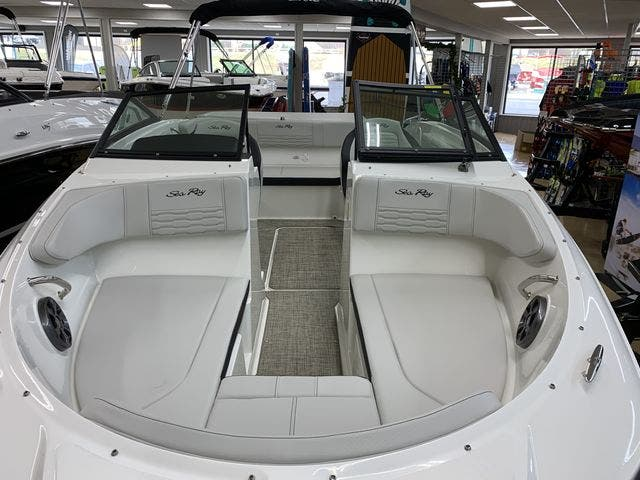 2021 Sea Ray boat for sale, model of the boat is 190SPX & Image # 6 of 12