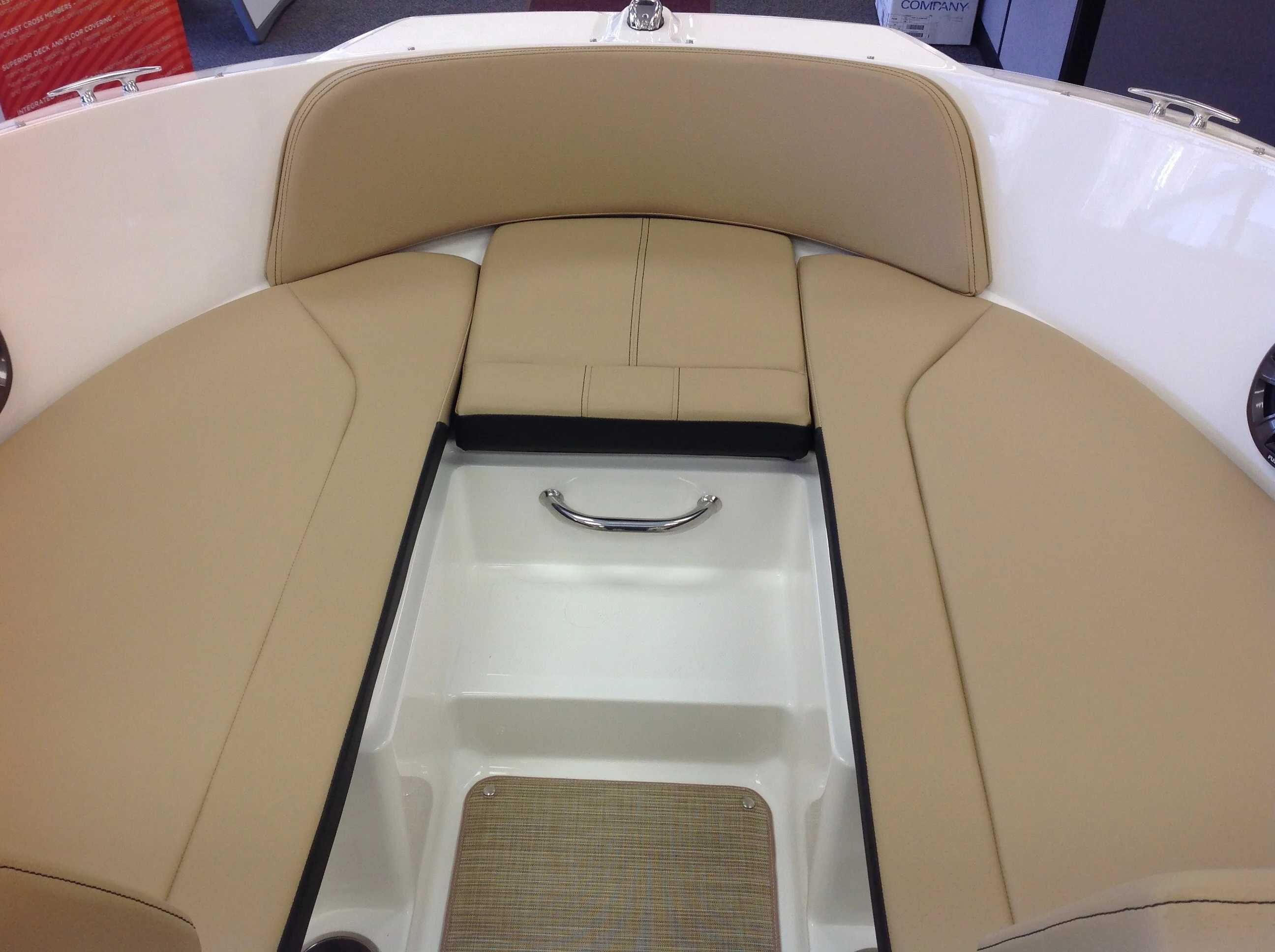 2021 Sea Ray boat for sale, model of the boat is 190 SPX & Image # 4 of 12